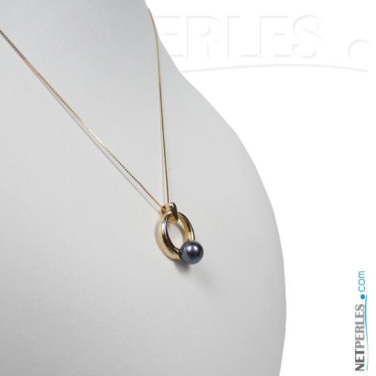 Pendentif en Or 14 carats et perle noire d'akoya 6,5 à 7,0 mm qualite AAA