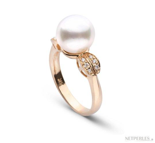 Bague Or jaune et Diamants avec une perle de culture d'Australie