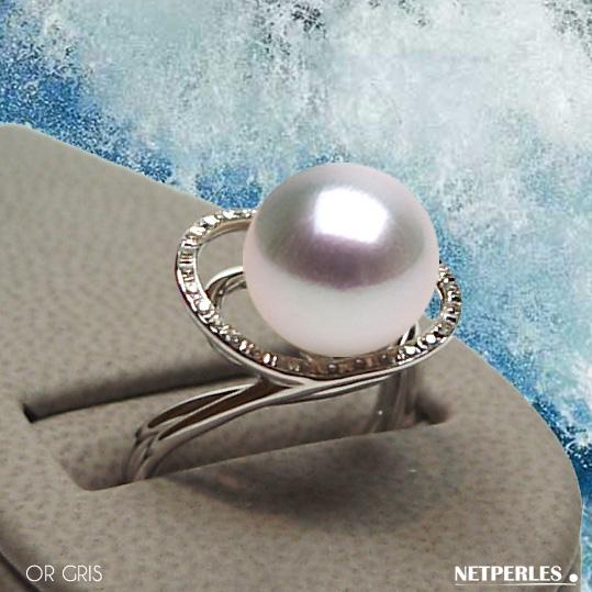 Bague en Or gris 18 carats et diamants avec perle de culture d'Australie blanches qualité AAA