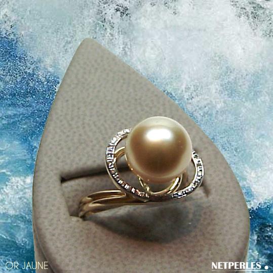 Bague Or jaune 18 carats et diamants avec perle de culture d'Australie qualité AAA