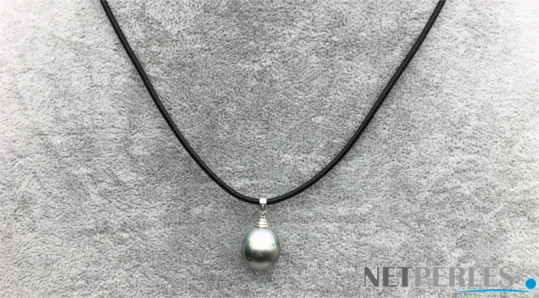 Lien de cuir avec pendentif en Argent, perle de Tahiti baroque 12-13 mm