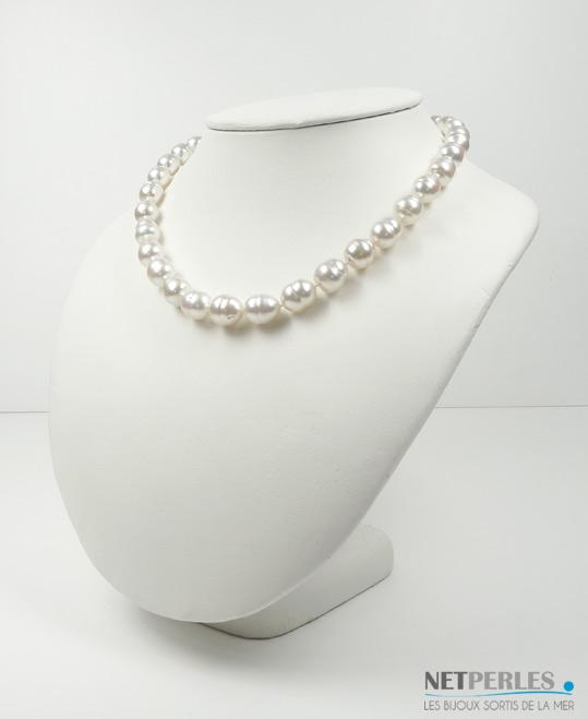 Collier de perles de culture d'australie blanches argentees rosees baroques, diametre 9,6 à 11,4 mm longueur 45 cm