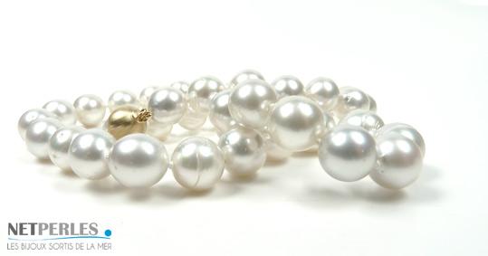 Collier de perles d'australie blanches argentées