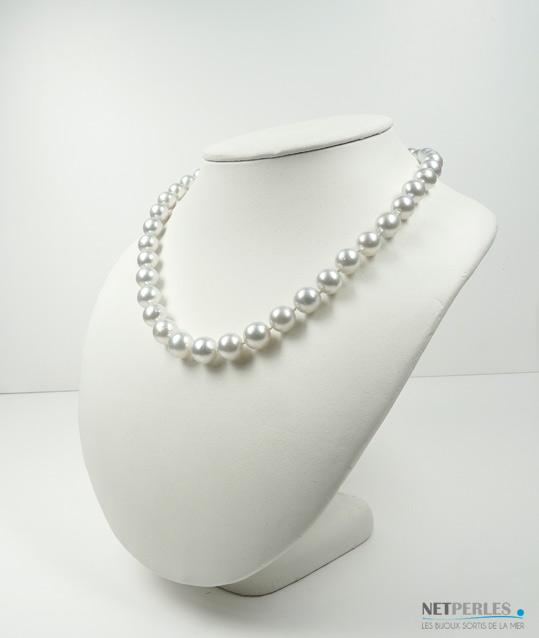Collier de perles de culture d'Australie blanches argentées de diametre 9,25 à 11,35 mm qualité AA/AA+