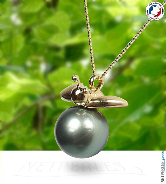 Abeille en Or 18 carats avec Perle noire de Tahiti