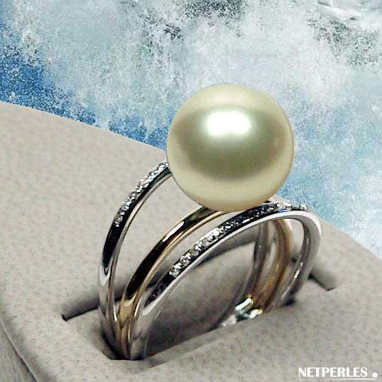 Bague 2 ros et diamants avec perle de culture d'australie blanche