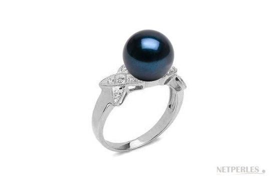 Bague en Or Gris Diamants et perle d'Akoya noire