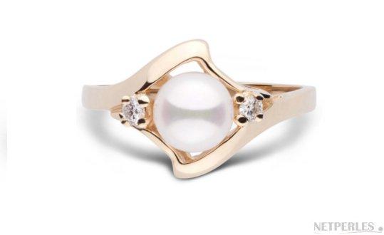 Bague Stella en  Or Jaune avec diamants et perle d'Akoya