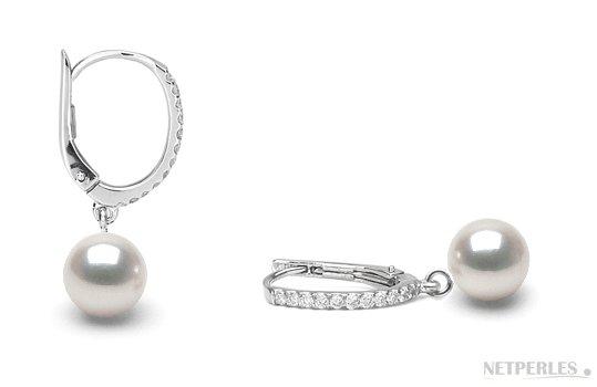 Boucles d'orelles de perles d'Akoya Hanadama et diamants