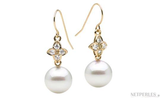 Boucles d'oreilles Or Jaune Diamants et  perles d'Australie blanches argentées