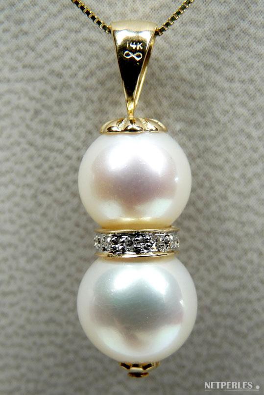 Pendentif perles de culture d'eau douce blanches qualité AAA et bague en or et diamants