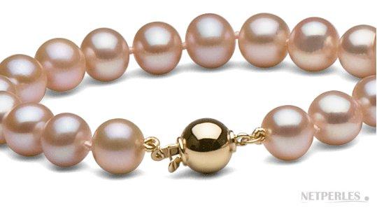 Sautoir de perles d'eau doouce roses peches