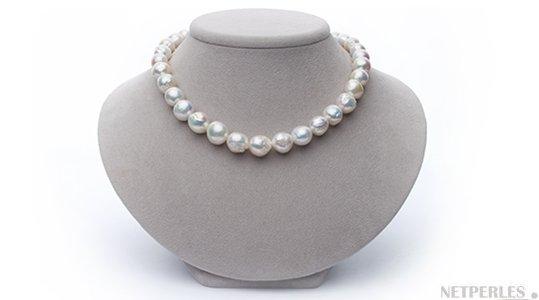 Collier des perles de culture d'eau douce baroques Ripple, blanches proposées par NETPERLES