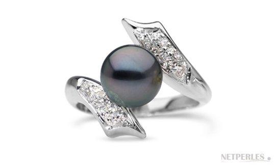 Bague en Argent rhodié avec diamants et une superbe Perle Noire de Tahiti