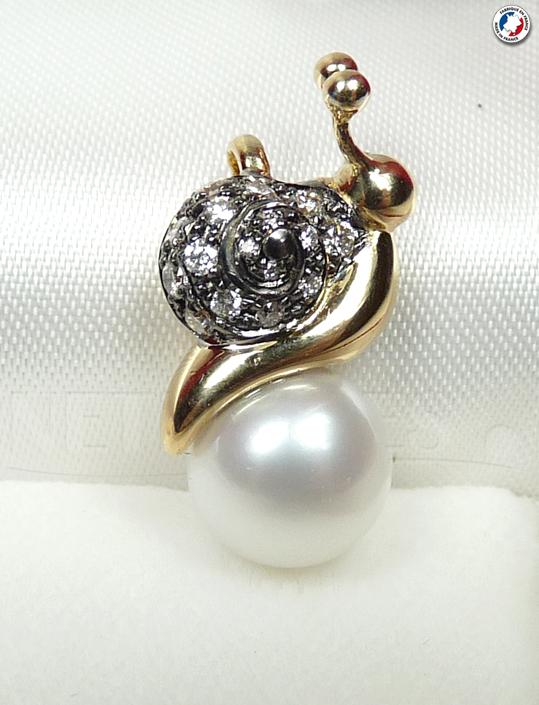 Pendentif en Or avec perle d'eau douce