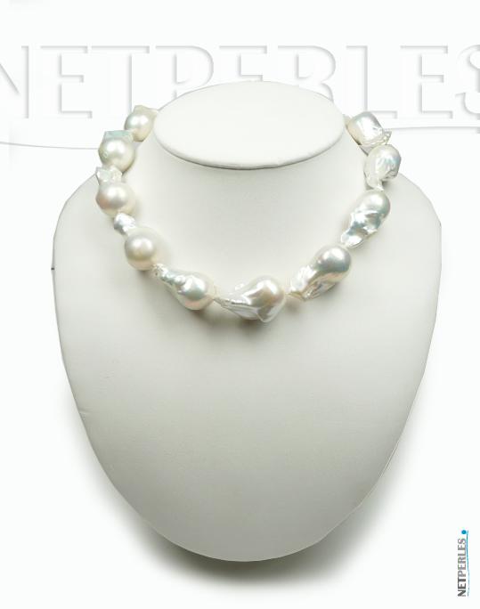Bust avec collier de perles Fireball d'eau douce