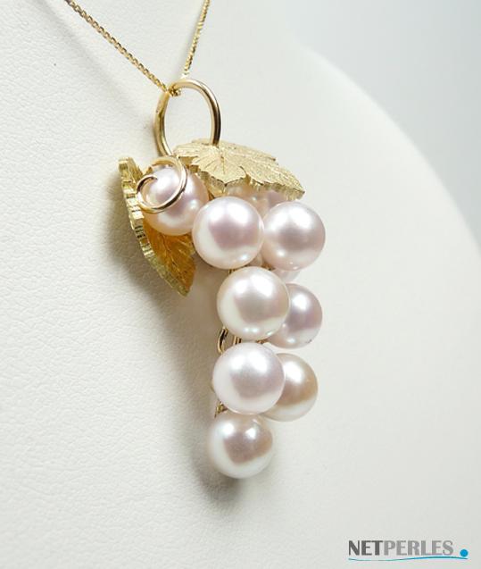 bijou or massif et perles de culture blanches d'akoya