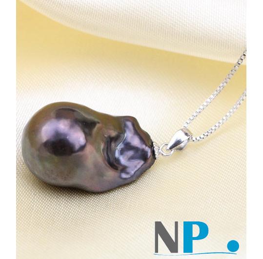 Pendentif en Argent 925 et perle Soufflée d'Eau Douce reflets métalliques violets. Une perle rare!!