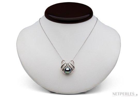 Pendentif en argent et diamants avec perle d'eau douce noire