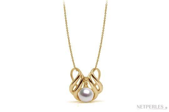 Pendentif en Or jaune et diamants avec perle blanche d'Akoya