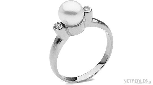 Bague Romantique en Argent et perle d'Akoya AAA avec deux diamants