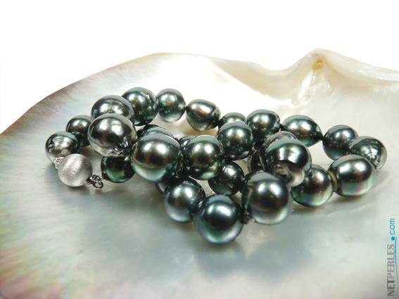 Belles perles noires de tahiti