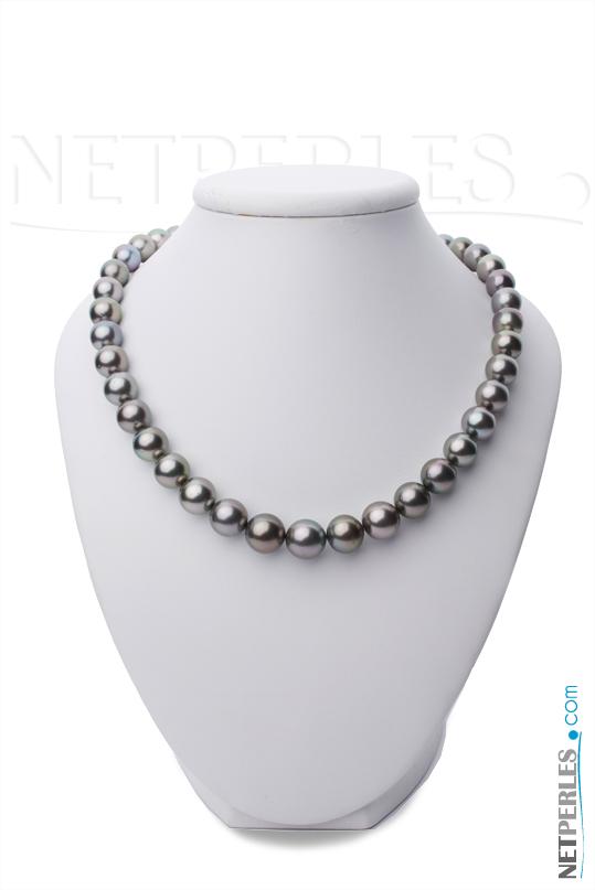 Collier de vraies perles noires de tahiti