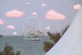 Le paysage autour du concours durant le festival de Cannes et fabuleux