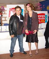 Jordan (Jeune Comedien) discutte avec véronique Mounier M6