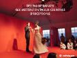 Pour bien presenter les robes et les costumes, les mannequins dansent