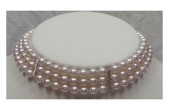 Collier triple rang de perles d'Akoya