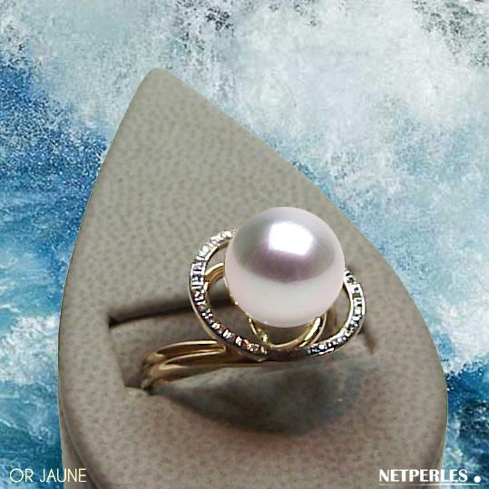 Bague Or jaune 18 carats et diamants avec perle de culture d'australie blanche qualité AAA