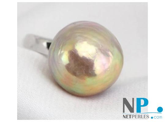 Bague en argent rhodié et perle d'eau douce lavande métallique extraordinaire de 15,5 mm