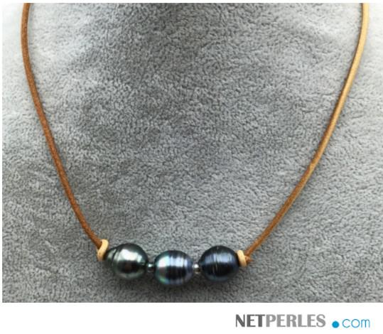 Collier de perles baroques de Tahiti sur lien de cuir