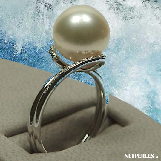 Bague Or 18 carats et diamants avec perle de culture d'australie blanche qualité AAA