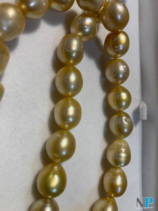 Collier de perles dorees d'australie, longueur 45 cm