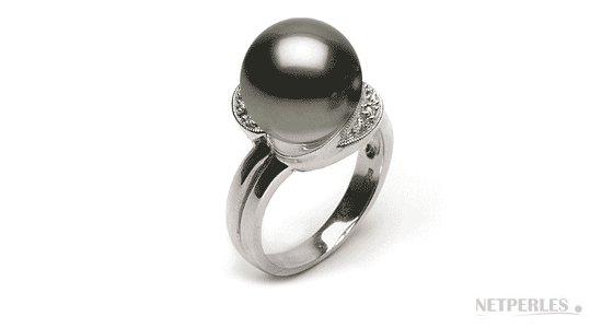 Bague en or gris 18 carats , diamants , perle de Tahiti qualité AAA