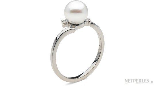 Bague en argent rhodié avec diamants et une perle d'Akoya blanche AAA