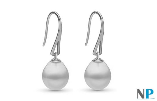Boucles d'Oreilles en Or Gris (rhodié) 18 carats avec perles forme de goutte blanches argentées