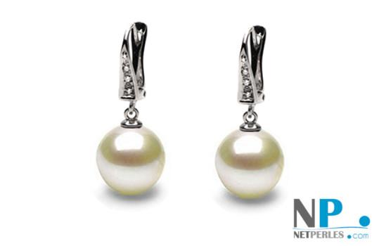 Orecchini in oro bianco 14k con diamanti e perle Akoya bianche