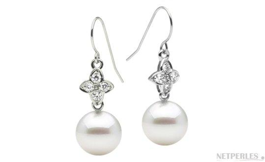 Boucles d'oreilles Or Gris Diamants et  perles d'Australie blanches argentées