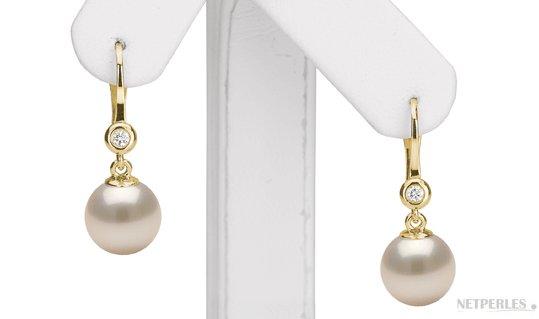 Orecchini in Oro giallo con diamanti e perle Akoya bianche
