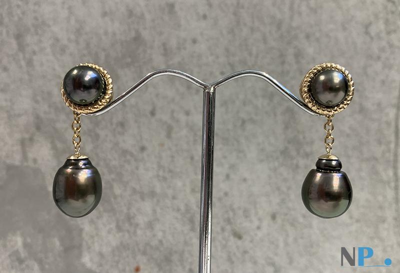 Elegantes paire de boucles d'oreilles de perles de Tahiti montées sur Or jaune