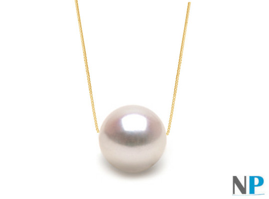 Chaine en Or 14 carats traversant une perle d'Akoya blanches de qualité AAA