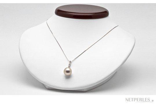 Perle d'australie blanche sur belière or 18 carats