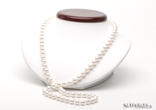 Tres beau collier de perles de culture sur présentoir
