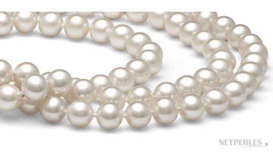 Gros plan de perles d'eau douce blanches