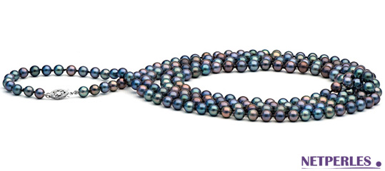 très long collier de perles de culture d'eau douce noires