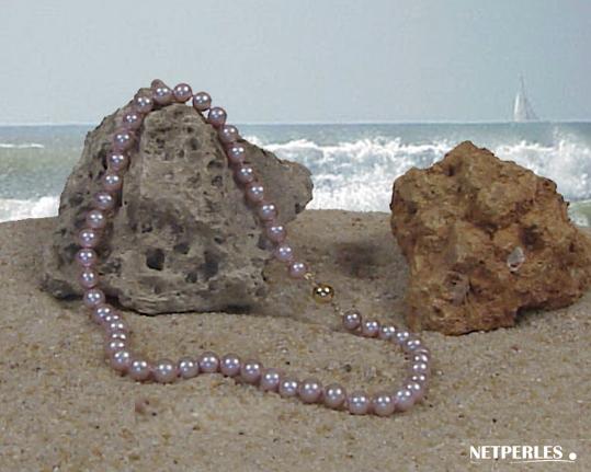Collier de perles d'eau douce couleur naturelle lavande qualité AA+