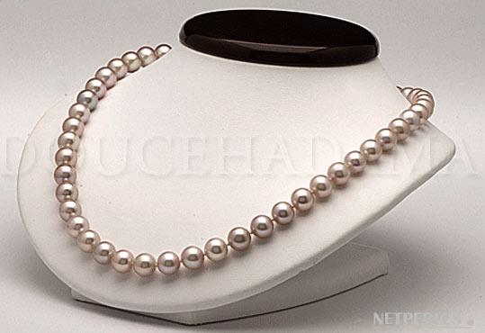 Collier de perles de haut de gamme, un grand luxe affiché par des perles de gros diamètres et un éclat très puissant